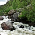 Пороги на реке в Карелии